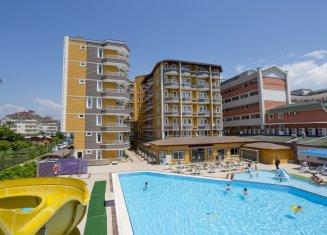 Senza İnova Beach Hotel